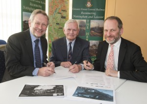 Sir Peter Soulsby Mayor of Leicester, Bill Ford (MD GCR) and Paul Kirkman (Director of the NRM) signing the memorandum of understanding to develop the new museum in Nov 2013